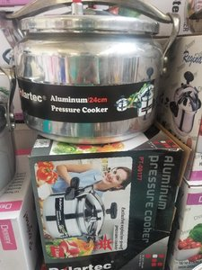 Used Pressure cooker box pack in Dubai, UAE