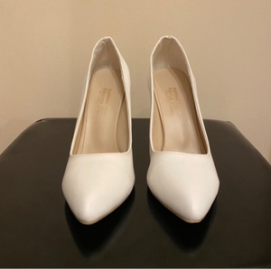 Used White high heels size 39 in Dubai, UAE