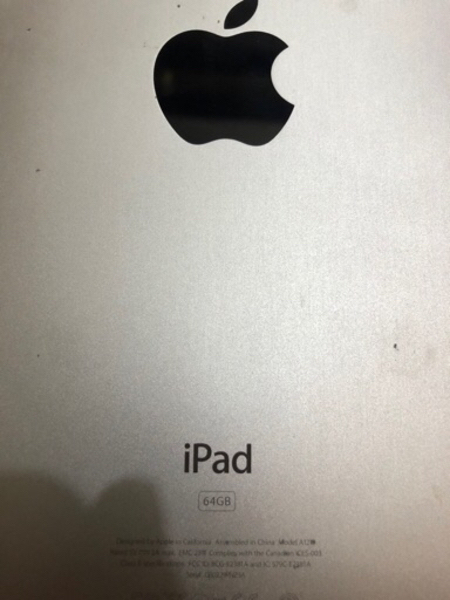 iPad 64GB..with charging cable