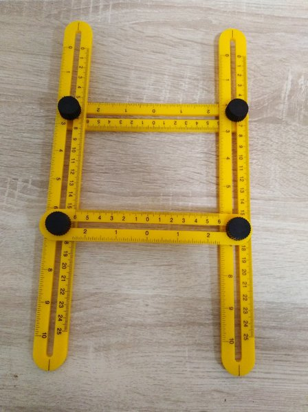 Used Foldable rulers in Dubai, UAE