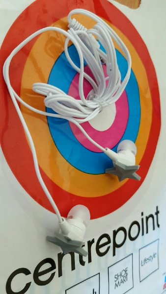 2 Piece Splash FashionHQ stereo EarPhone