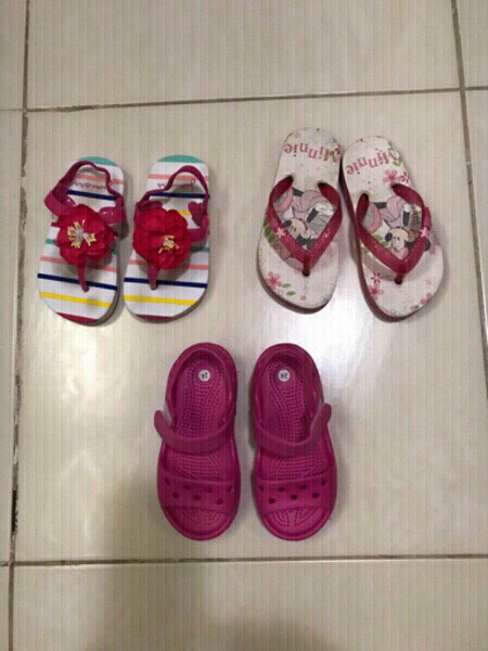 Used Bundle Offer. Slippers for girls. in Dubai, UAE