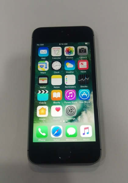 Used IPhone5s 16 GB with Face Time  in Dubai, UAE