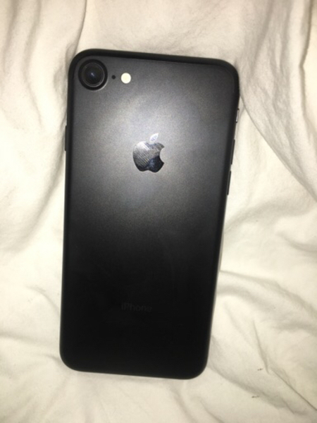 Used iCloud Locked iPhone 7 no box 32gb  in Dubai, UAE