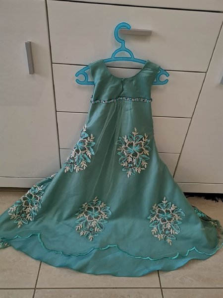 Used Kids party gown. Best for eid or parties in Dubai, UAE