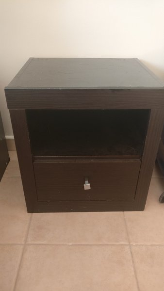 Used Bed side table in Dubai, UAE
