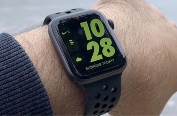 Used T55 apple watch replica with calling in Dubai, UAE