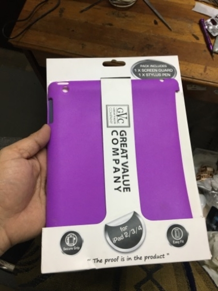 Used Ipad2 3 4 cover with protector and touch in Dubai, UAE