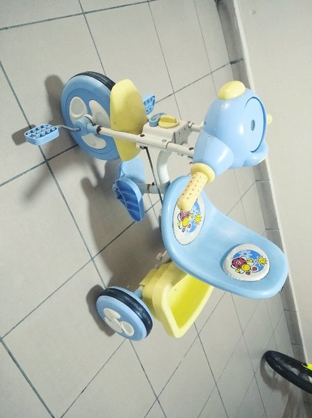 Used Tiny tricycle for little children! in Dubai, UAE