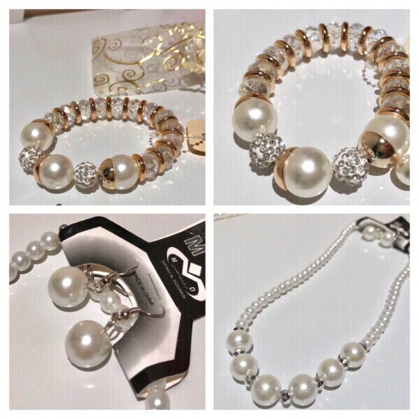 Used Fashion pearls necklace and bracelet in Dubai, UAE