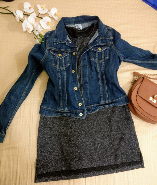 Used Denim cropped jacket and modest top in Dubai, UAE