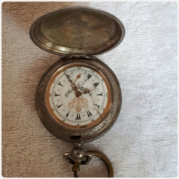 Used Authentic pocket watch antique with key in Dubai, UAE