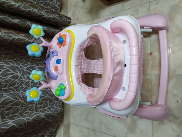 Used Baby walker in very good condition in Dubai, UAE