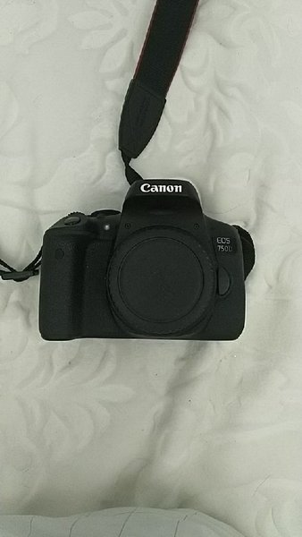 Used Camera Canon 750D with 2 lenses with bag in Dubai, UAE