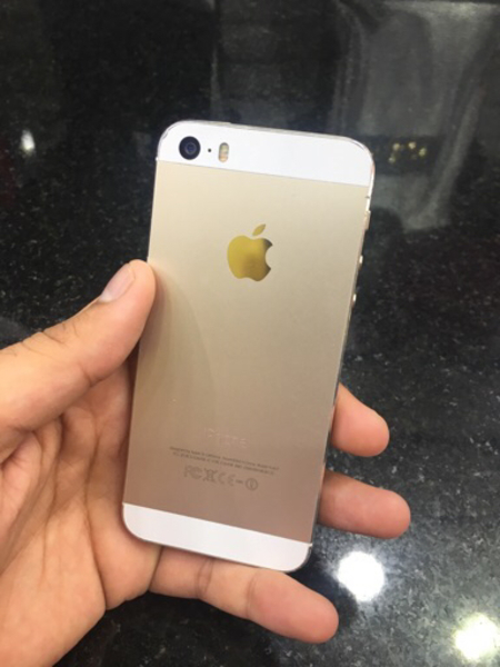 Used I phone 5s 16 gb Gold colour in Dubai, UAE