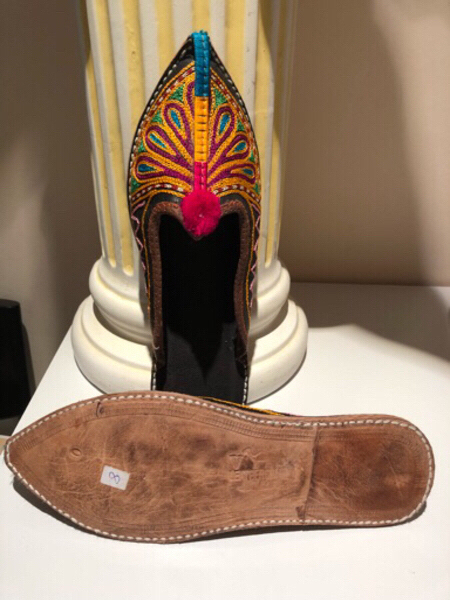 Used Woman slippers size 8 new in Dubai, UAE