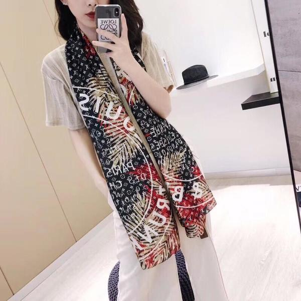 Used Scarf in Dubai, UAE