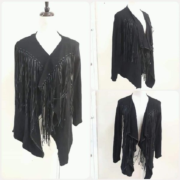 Used Brand new- black zara top fashionable in Dubai, UAE