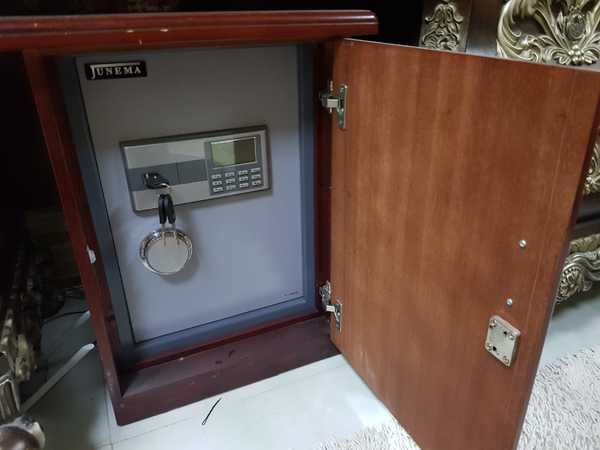 Used safe well locker in Dubai, UAE