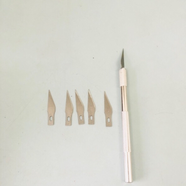 Used Carving tool with 6 blades in Dubai, UAE