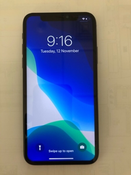 Used iPhone X Screen in Dubai, UAE