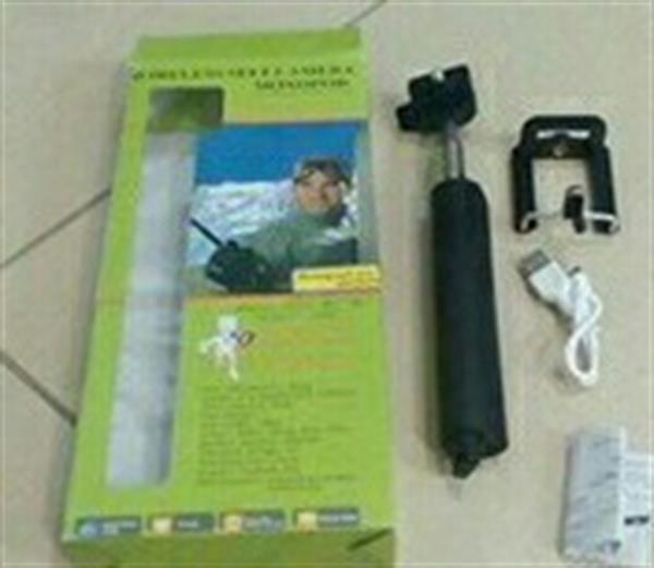 Used Selfie Stick Rechargeable Brand New. in Dubai, UAE