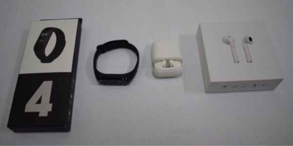 Used Combo - Smart Band and BT Airpods in Dubai, UAE