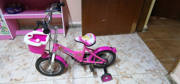 Used Julie girls cycle 3 to 5 year old cycle in Dubai, UAE