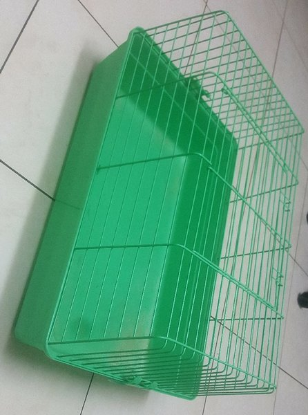 Used pet cage in Dubai, UAE