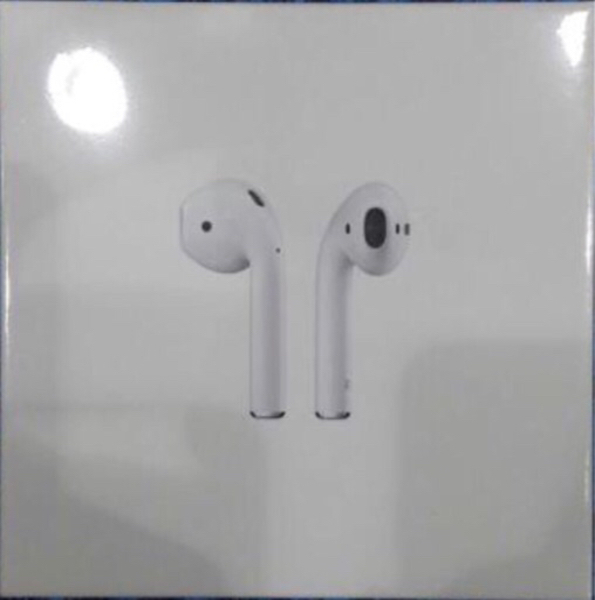 Used Apple Airpods 100% original in Dubai, UAE