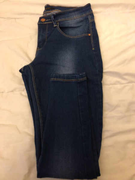 Used Jeans barely used size MEX26-27 in Dubai, UAE