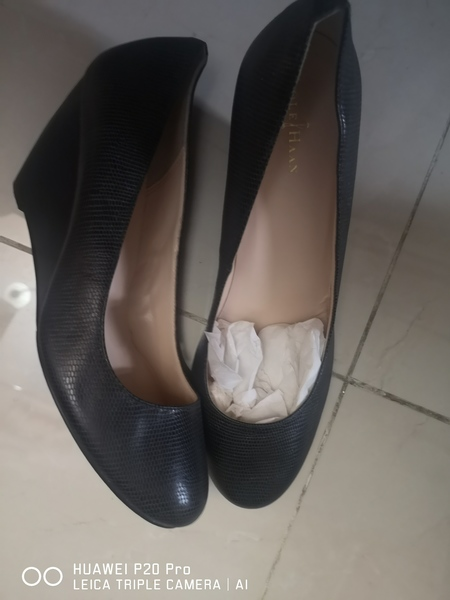 Used Cole Haan Black Shoes Size 39.5 in Dubai, UAE