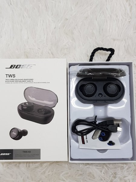 Used Bose,  Earbuds. in Dubai, UAE