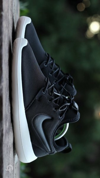 Used Nike Roshe Run Size 44 in Dubai, UAE