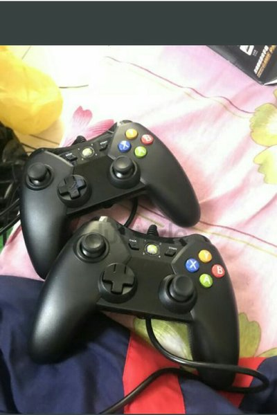 Used 2 wired controller for xbox and pc in Dubai, UAE