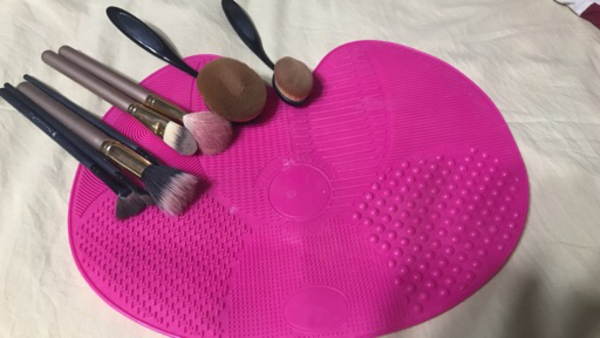 Used Silicon brush cleaning mat  in Dubai, UAE