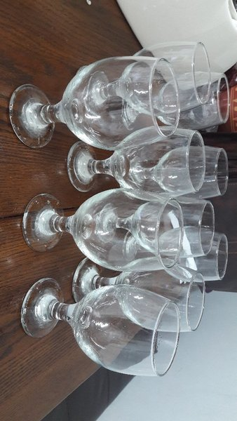 Used Like new 10glasses and 8 plates for sale in Dubai, UAE