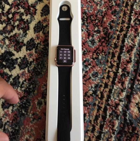 Used Selling Apple Smart Watch 38MM With Box And Accessories  in Dubai, UAE