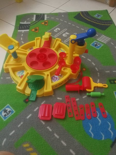 Used Play Dough MEGA SET out of box in Dubai, UAE