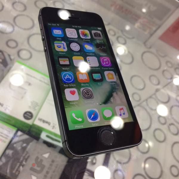 Used iphone 5s black 16gb (only phone) in Dubai, UAE