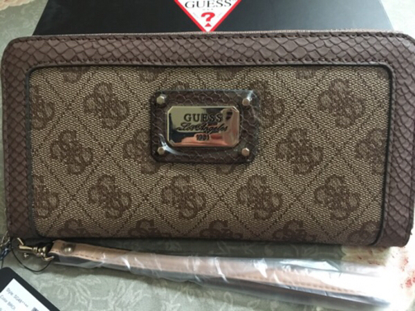 Used Guess wallet in Dubai, UAE