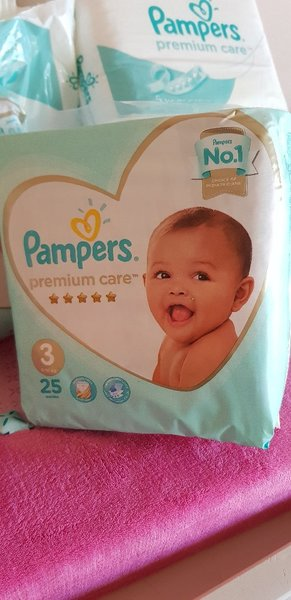 Used Pampers premium care - 120 pieces in Dubai, UAE