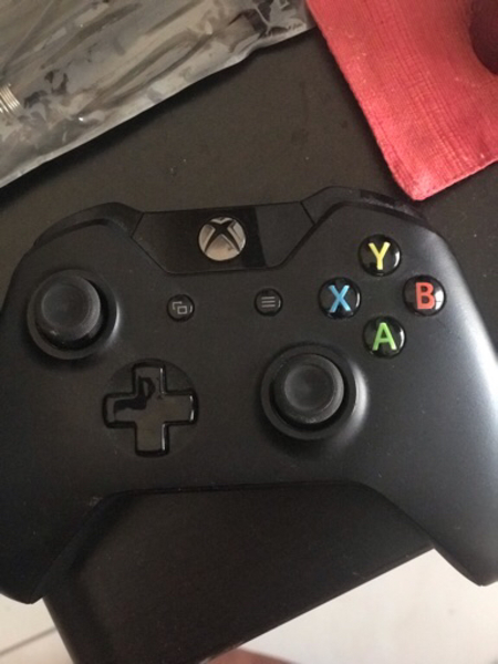 Used XBOX CONTROLLER in Dubai, UAE
