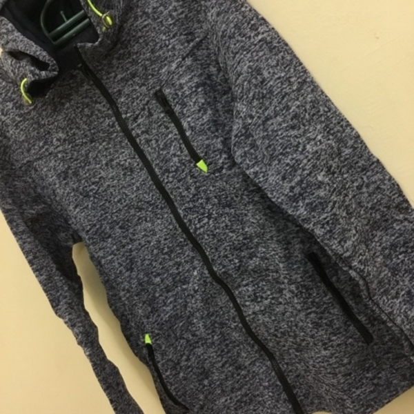 Used Comfy weather jacket size L in Dubai, UAE