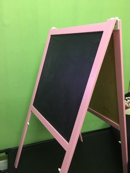 Used IKEA Malå easel / black and white board in Dubai, UAE
