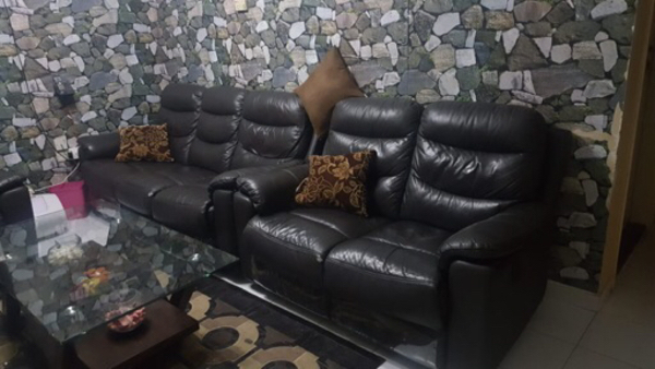 Used Pure leather recliner sofa in Dubai, UAE