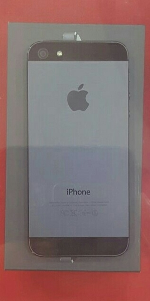 Used Iphone 5 Black 32gb Wit Books  Organal   in Dubai, UAE