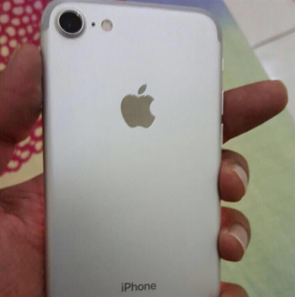Used WOW Offer-Iphone 7 256 Gb For Sale.Icloud Locked Phone in Dubai, UAE