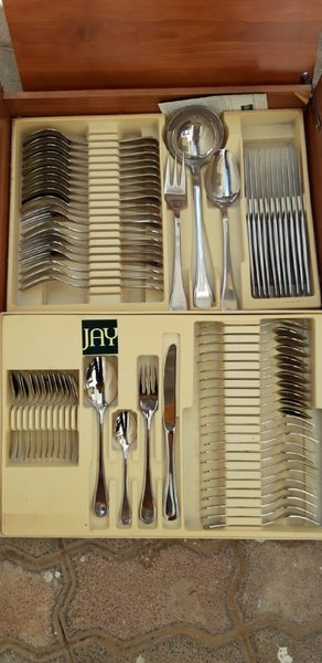 Used Cutlery set for sale in Dubai, UAE
