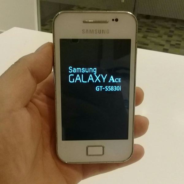 Samsung Galaxy Ace Used Old Mobile, 100% perfect condition With Charger & 2 GB Memory Free.